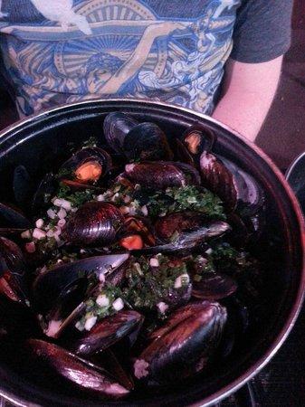La Cuisine au Beurre : Мидии с чесноком