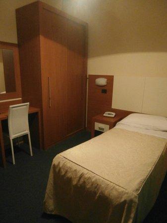 Hotel Santa Chiara: My single room