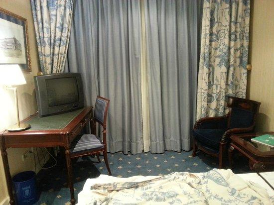 Osuna Hotel: Bedroom