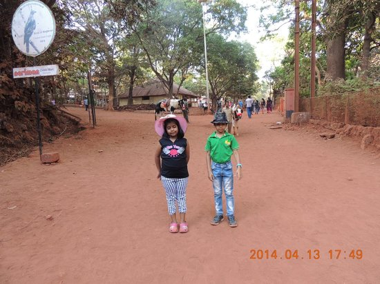 The Byke Heritage - Matheran : road to the market