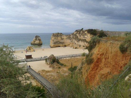 Jardim do Vau: lovely promenade cliff walk into praia da rocha,