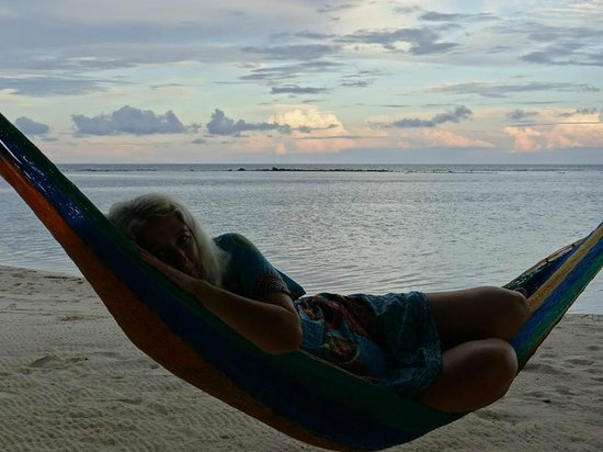 Pelican Beach - South Water Caye: Hammock Testing