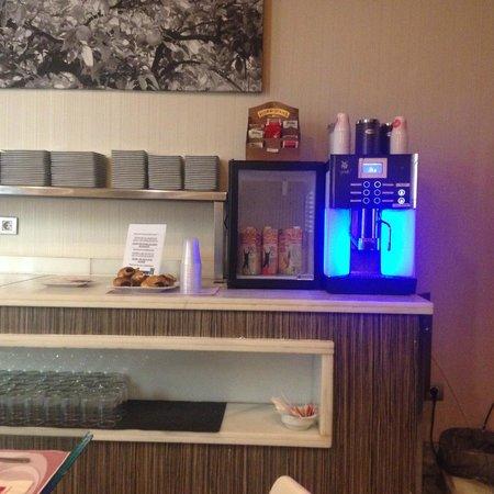 Petit Palace Santa Cruz: Бесплатный кофе до 10 вечера