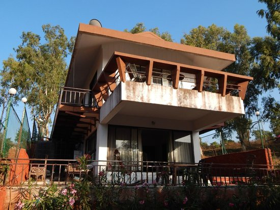 Exotic Home Stay - Panchgani: Top Room With awesome Valley View