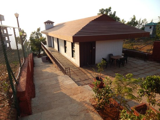 Exotic Home Stay - Panchgani: Hotel Entrance