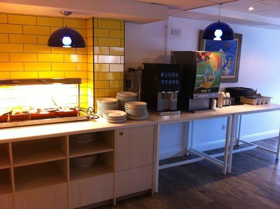 Ibis Styles London Excel: Breakfast buffet