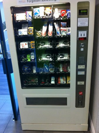 Ibis Styles London Excel: If you forgot something there is a machine ;-)