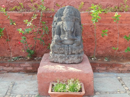 Exotic Home Stay - Panchgani : Ganesh Statue