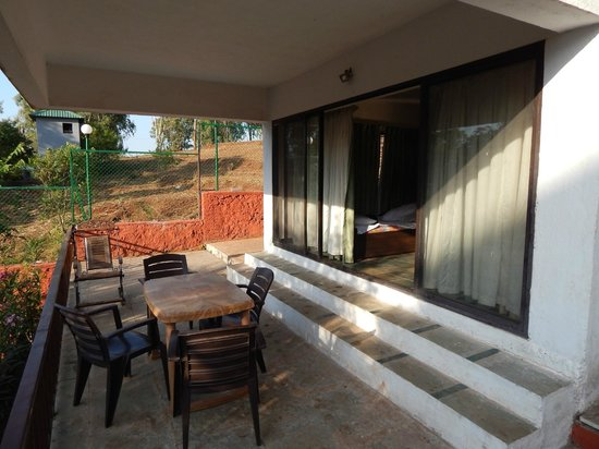 Exotic Home Stay - Panchgani : Balcony of the room