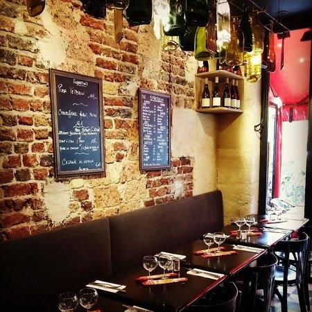 Photo of Italian Restaurant Alfio at Avenue De La Bourdonnais, Paris 75007, France