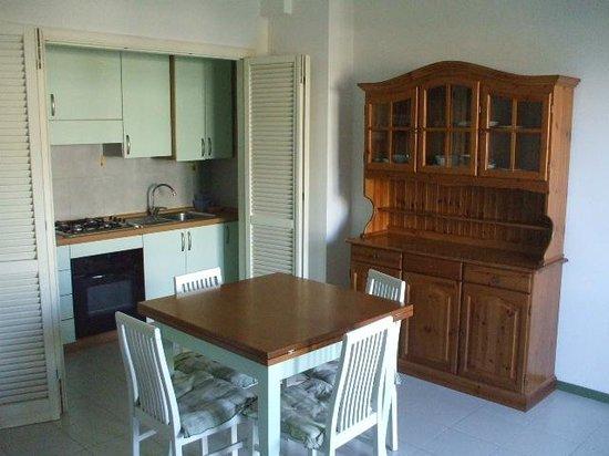 Residence Leonardo & Silville: soggiorno con cucinotto