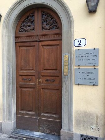 A Florence View B&B : Entrance Door to A Florence View