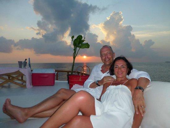Constance Moofushi: sunset trip