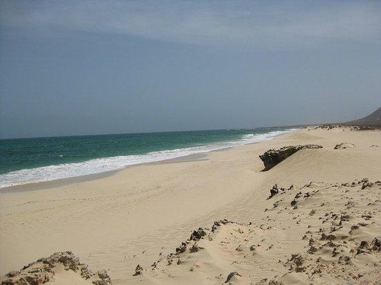 Marine Club Beach Resort: una delle lunghe spiagge dell'isola