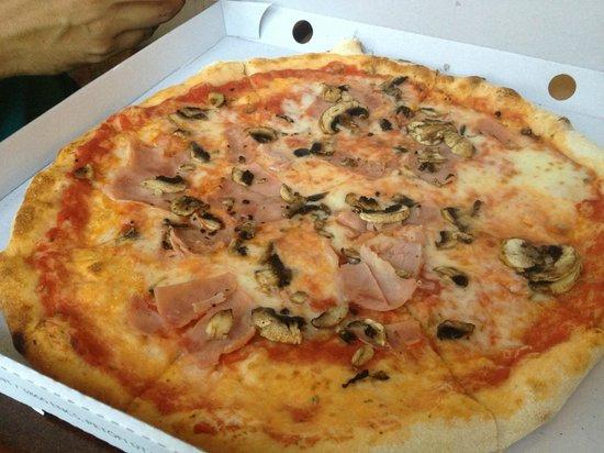 Anyukam Mondta : Pizza Filippo