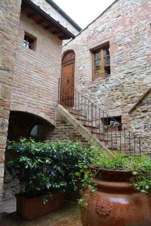 Tenuta Sant'Ilario: stairs