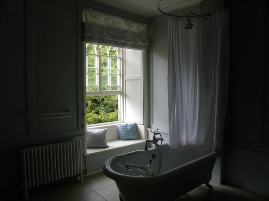 Trereife House: Bathroom
