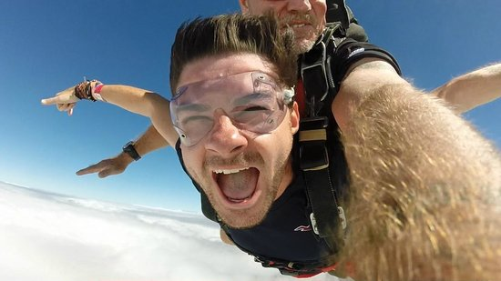 Skydive Cairns: Liam's Skydive