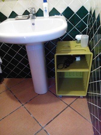 Li Espi: Rangement de la salle d'eau