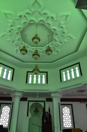 Jamek Mosque : prayer room