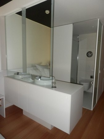 Barcelo Sants: Bathroom