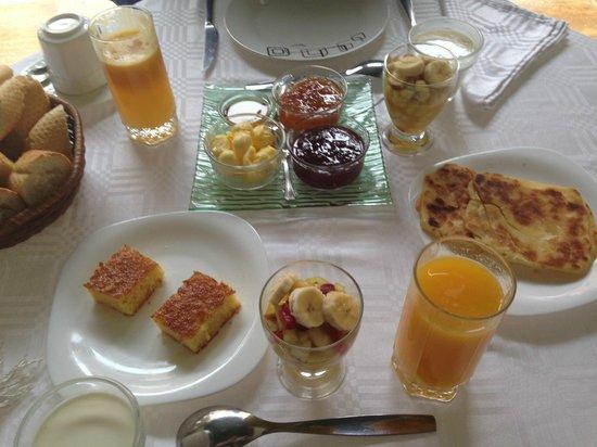 Ksar Anika: Breakfast!