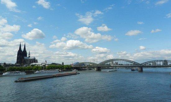 Hohenzollern Bridge : Bridge, Dom and Rhine