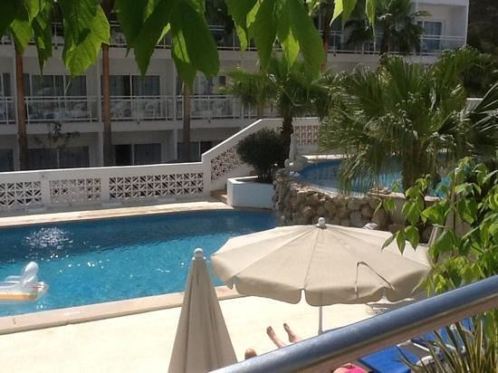 Grupotel Oasis: pool area again