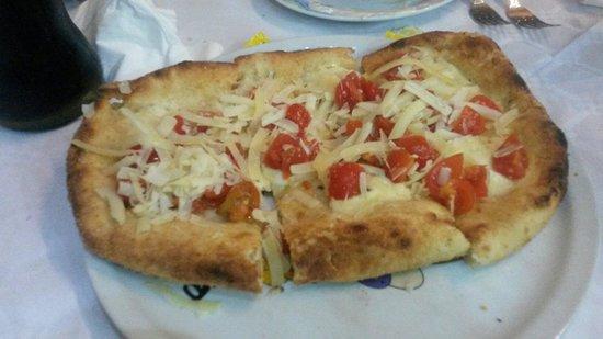 La tana del lupo: Pizza fritta alla napoletana (caldamente consigliata!)