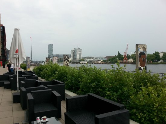nhow Berlin: Terrasse