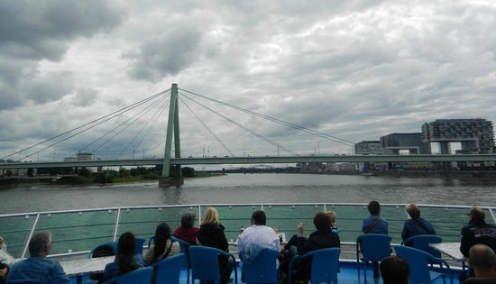 KD Day Cruises: View of Cologne's Bridges