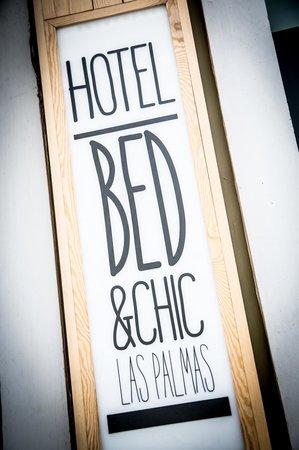 Bed&Chic Las Palmas: Cartel de la entrada