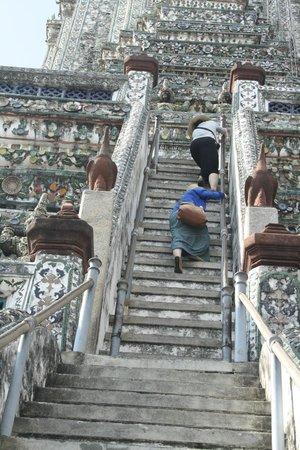 Wat Arun (Tempel der Morgenröte): scalinata