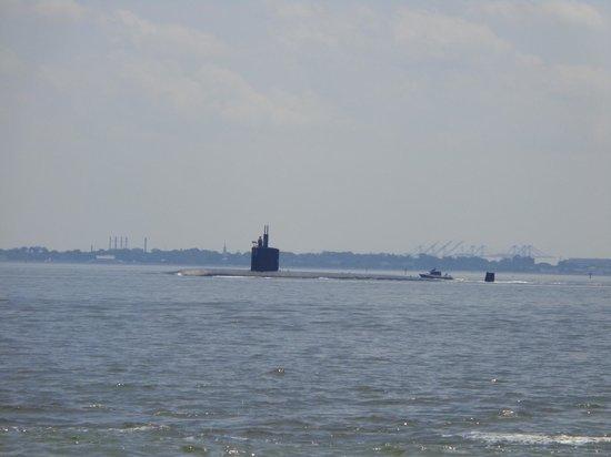 Miss Hampton II Cruises: LA Class Nuclear Sub - Underway - Miss Hampton II Cruise
