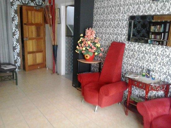 Apek Utama Hotel : reception area