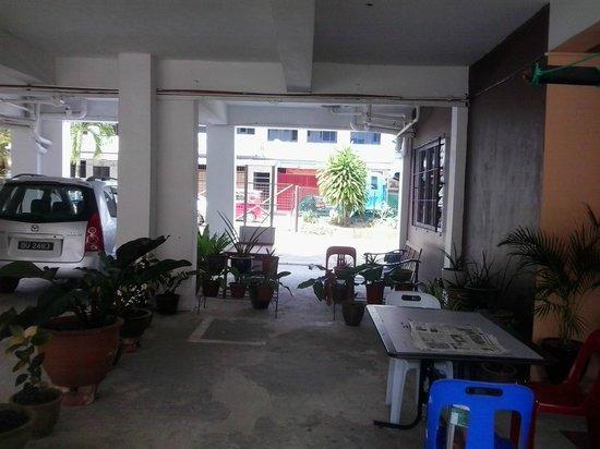 Apek Utama Hotel : outdoor atea