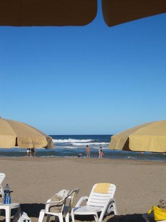 Costa Carilo Apart & Spa: Hotel Costa Carilo - Ombrelloni e spiaggia