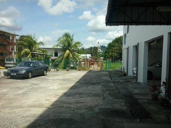 Apek Utama Hotel: main entrance frontage
