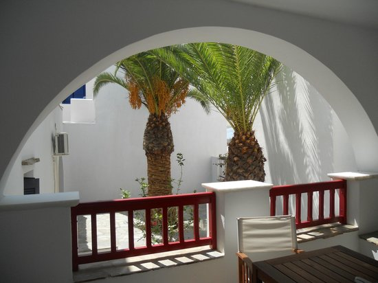 Elisso's Philoxenia: veranda