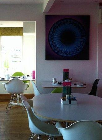 Elements Cafe Bar & Restaurant: restaurant