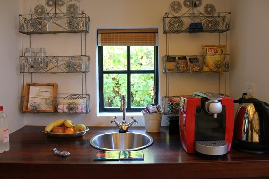 Akademie Street Boutique Hotel and Guest House: Kitchen in the room, everything is complementary