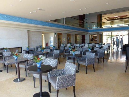TUI SENSIMAR KALLISTON Resort & Spa by ATLANTICA: Lobby bar/lounge area