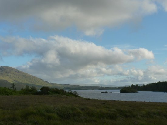 Lough Inagh Lodge : le lac inagh