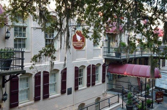 Olde Harbour Inn - River Street Suites : Olde harbour Inn