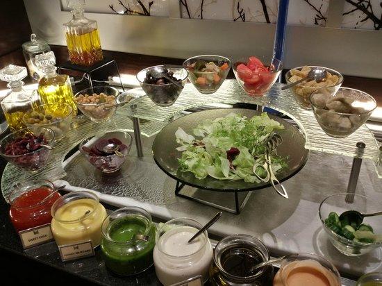 Copthorne Hotel Doha: The Salad Bar
