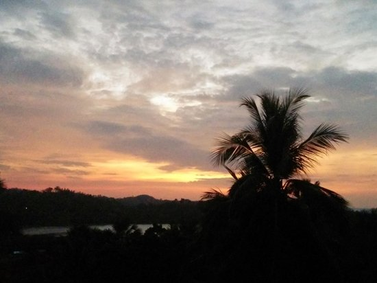 The Manor at Puerto Galera : sunset view