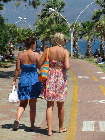 Icmeler Beach: Ичмелер - это где гуляют:)