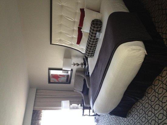 Inn on Fifth: Room 359