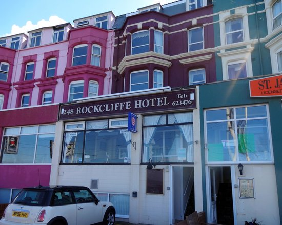 Rockcliffe Hotel: The Rockcliffe only a ten minute walk to the centre.