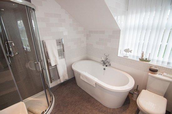 Ellerby Country Inn : Room 4 Bathroom